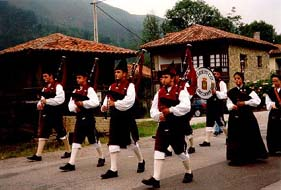Asturian pipe band, photo by The Mollis